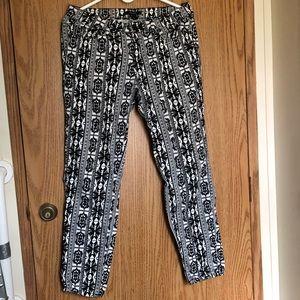 🔴5/25 Unique Patterns Forever 21 Pants US 28